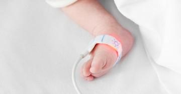 Routine neonatal oximetry screening